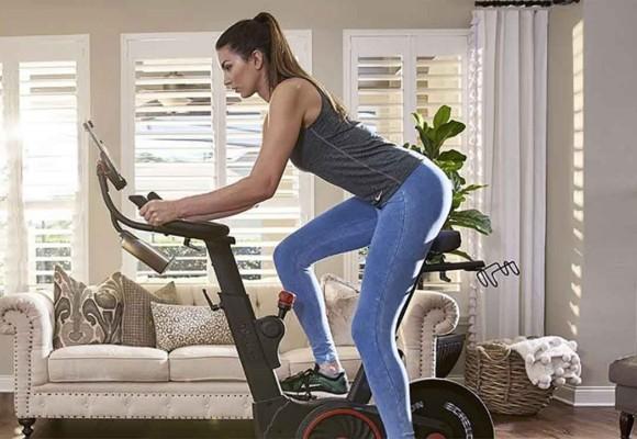 ¿Cómo montar en una bicicleta estática para quemar grasa?