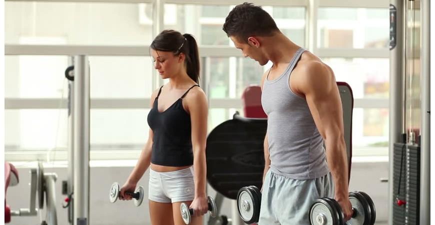 Ejercicios de fuerza por parejas entrenamiento y beneficios